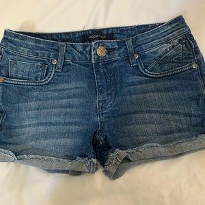 Denim shorts 💙